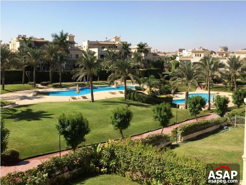 Twin House with Pool View in Patio - New Cairo