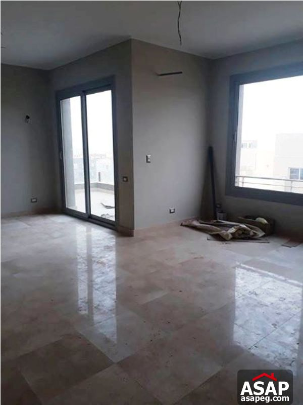 Penthouse with Parking for Rent in Village Gate