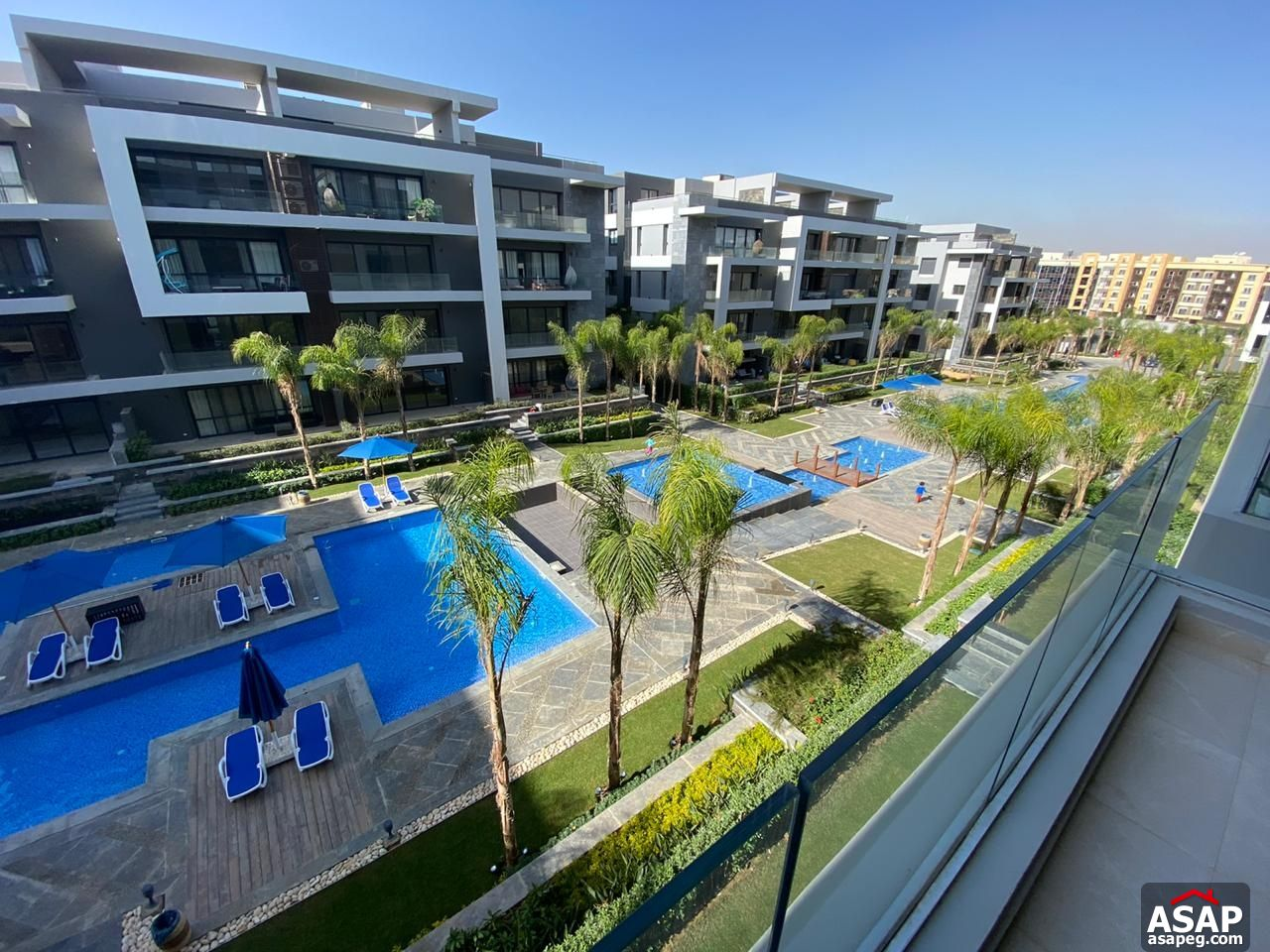 Apartment with Lake View for Rent in Patio 7