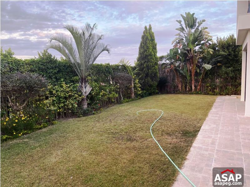 Stand Alone with Garden in Allegria Sodic for Rent