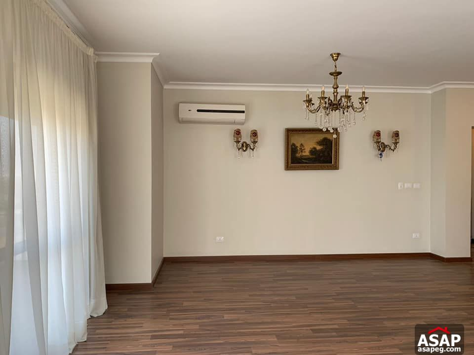 Apartment for Rent in Courtyard Compound