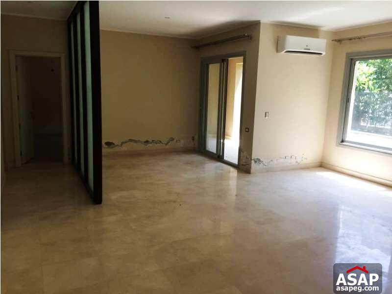 Apartment with Garden in Village Gate for Rent