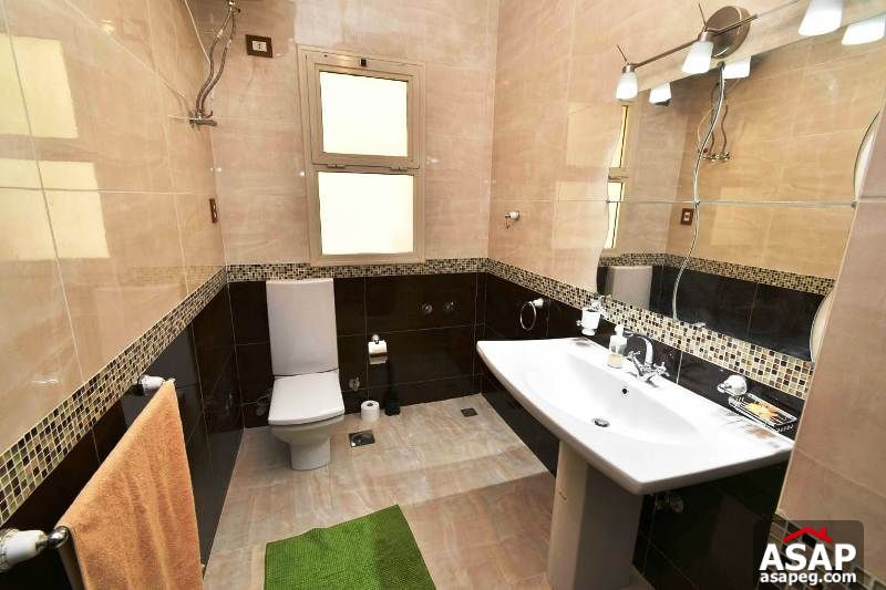 Villa with Pool for Rent in Lago Vista - New Cairo