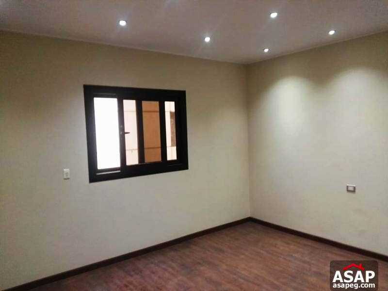 Apartment for Rent in West Golf