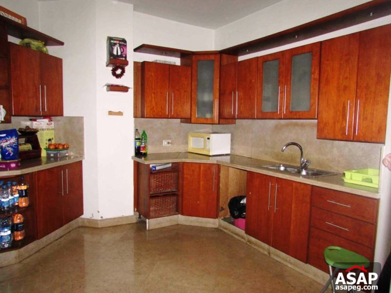 Villa with Pool for Rent in Lake View