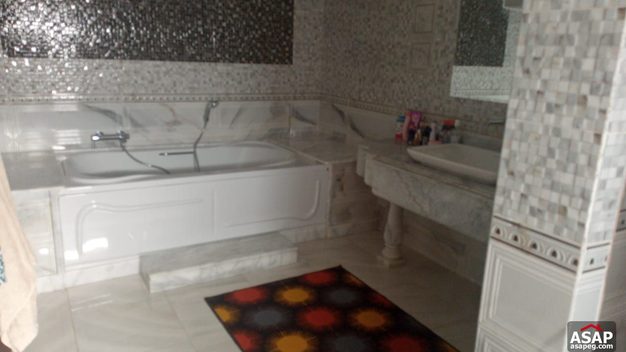 Villa with Swimming Pool for Rent in El Rabwa Compound