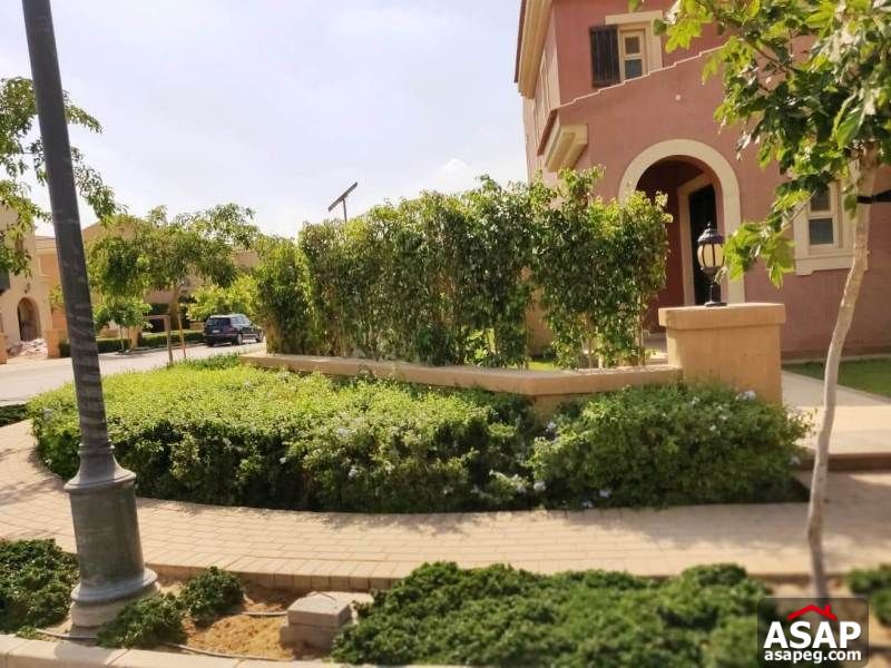 Stand Alone with Big Garden in Mivida for Rent