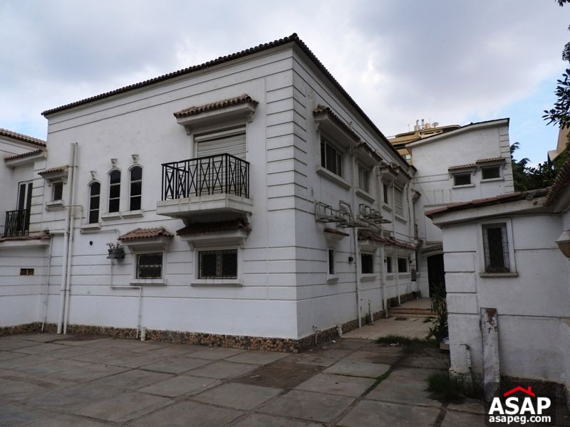 Villa with Big Garden in Katameya Residence