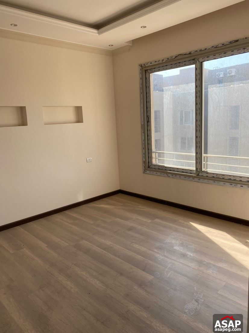 Penthouse for Rent in Village Gate Compound